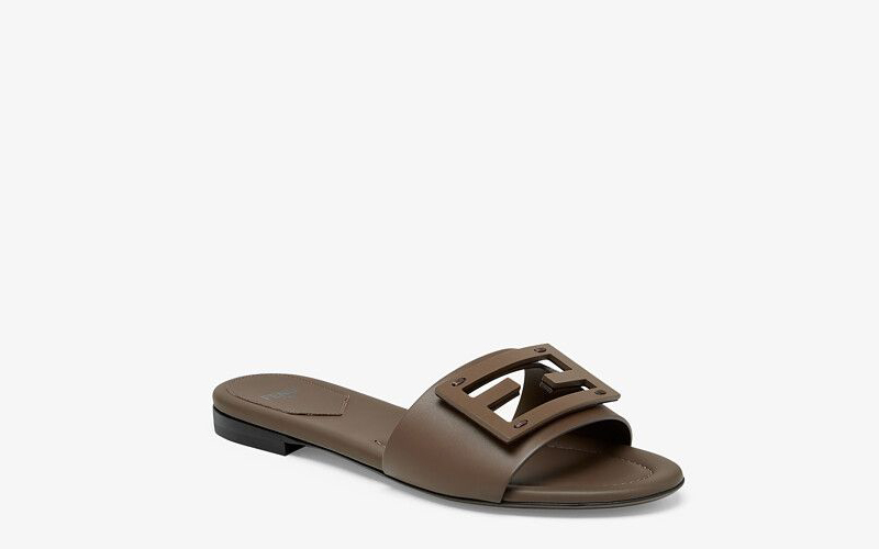 Fendi signature dames slippers bruin